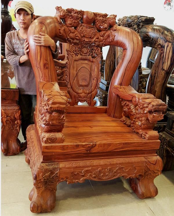 Bộ bàn ghế trắc đỏ quý hiếm